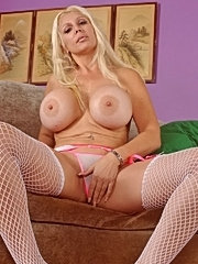 Hot mommy kayla cupcakes huge boobs are bouncing while pussy fucked