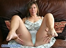 Horny older slut loves to take a cock in the ass aswell as the pussy!