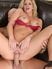 Hot, horny milf shares her worldly knowlege