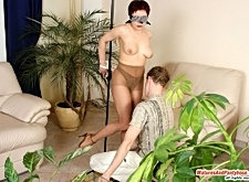 Ethel&mike pantyhosefucking attractive mature housewife