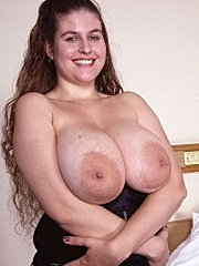 A sexy fat girl with big tits getting her pussy licked