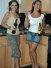 These sexy milfs love to hang out and do everything with eachother