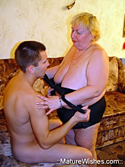 Nice fat mature blonde seducing a young inexperienced fellow and provides a crazy wild action at her home