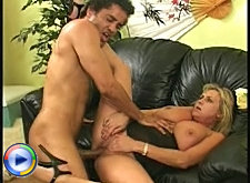 Hot blonde cougar taking it hard in her cunt