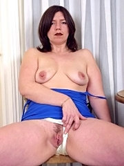 First time wife shows her pussy