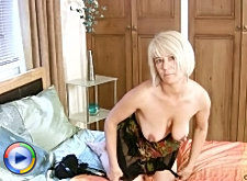 Mature housewife sucks on a big cock milfs mom old