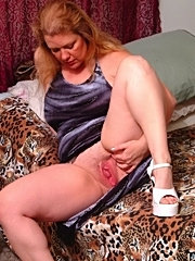 Big fat mature get cumshots on her old chubby face