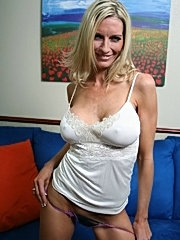 Busty mommy emma starr is a cock sucking champ in the milf category