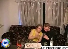 Drunken mature slut sucked dick like it was to be the last time she ever would have it in her mouth