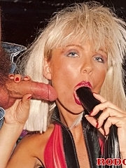 Classic blonde receives cock in her tight ass