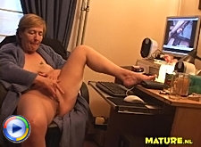 This old broad loves milking the prostate