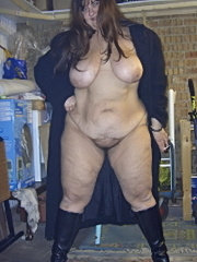 Amateur bbw with big tits and hairy pussy
