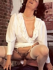 Seventies lady pleasing dick in a jailcell