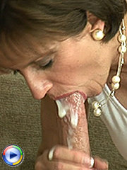 Huge cumload in her mouth