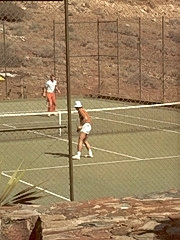 Tennis playing retro ladies fucked outdoor