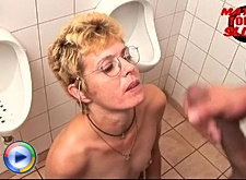 See her fuck and suck her mature ass off on the toilet
