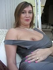 British milf flashing her tits