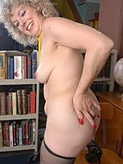 Granny blonde old mature slut standing doggy fuck