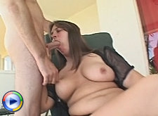 Matured plumper spreads her wet pussy