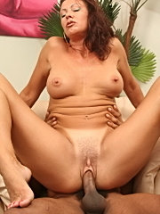 Dirty mommy vanessa vidal take deep black meat and glazed with cum