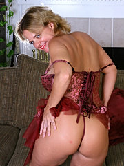 Blonde older woman gets lustfully foot licking and massaging erotica