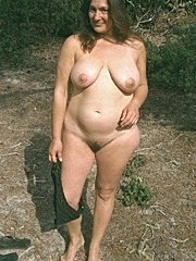 Big tit amateur bbw loves teasing and spreading her pussy