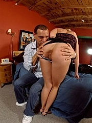 Foxy round booty milf sindy gets butt checked and fucked