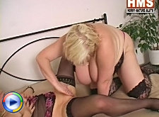 Horny slut gets her hairy pussy licked
