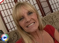 This housewife gets the big black cock she craves